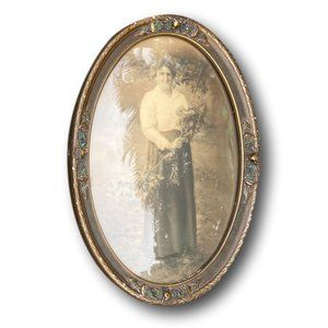 Antique Picture in Distressed Dome Picture Frame